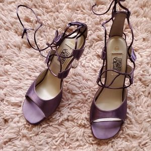 Lavender dyeable lace up heels